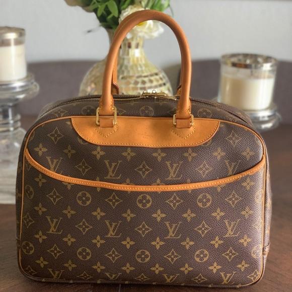 Louis Vuitton Handbags - Louis Vuitton Deauville